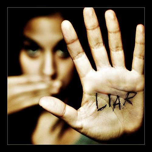 Money makes you LIE!
